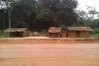 Baka dwellings in the Djouze village impacted by the construction of the road, November 2018 (Photo: CED)